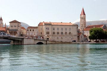 Blick auf Trogir in Kroatien
